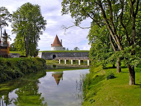 http://www.galeontour.com/ufiles/Image/saaremaa.jpg